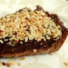 Cake: Chocolate tart with chocolate mousse and hazelnuts