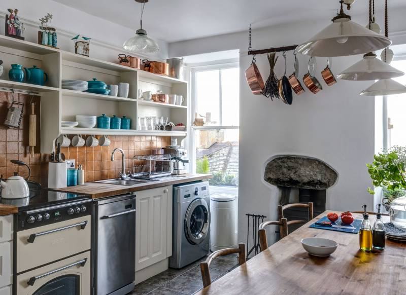 Country-style kitchen with shelving
