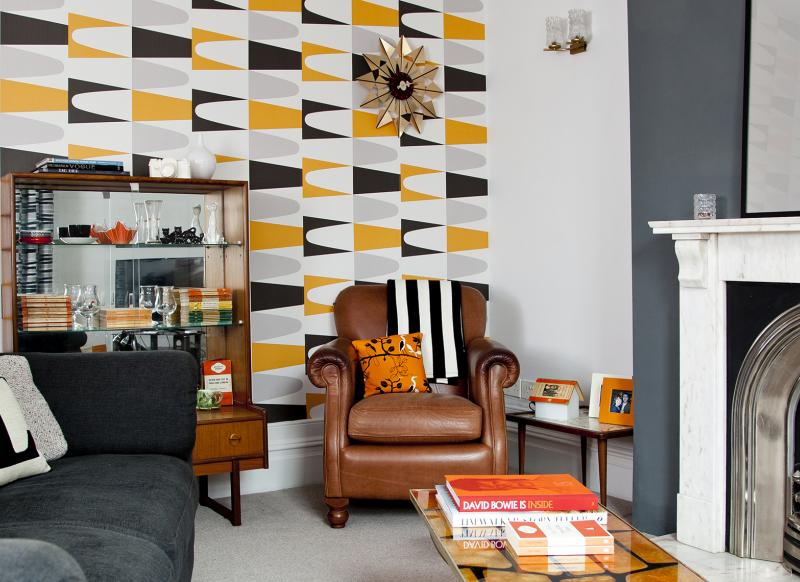Modern Retro Living Room with Bold Geometric Wallpaper