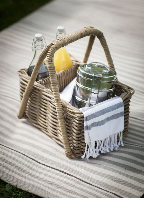 Bembridge Picnic Basket in Rattan