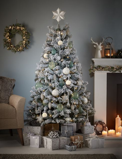 Snowy Woodland White Flock Christmas Tree