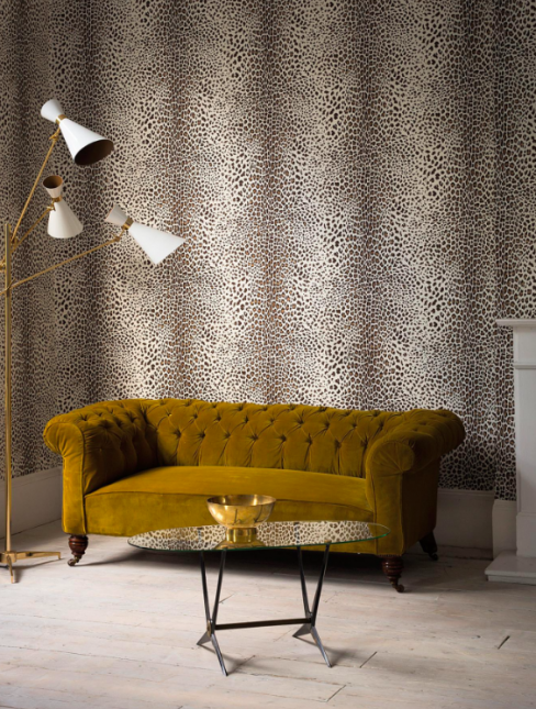 Leopard-Look Wallpaper in White/Beige from Graham & Brown