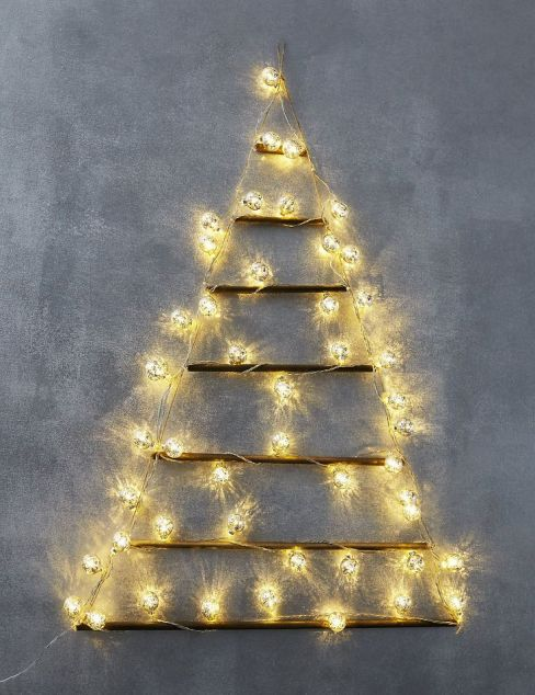 Lit Wall Mounted Tree