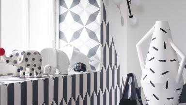Black and White Living Room  with Dazzling Geometric Prints