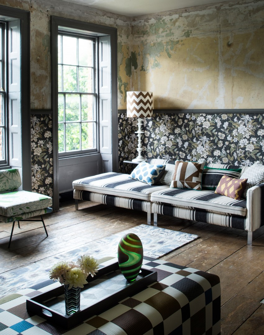 Graphic Living Room With Clashing Patterns In Muted Tones Part 90