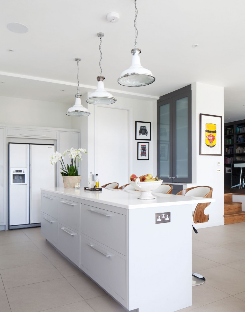 Modern Scandi Kitchen with Pendant Light Trio
