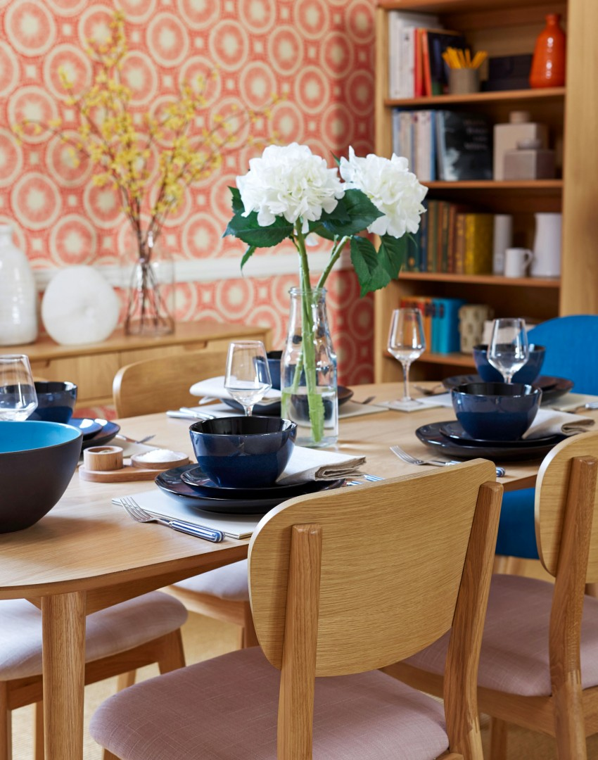 Work those walls for a dining room of distinction the room edit for Wallpaper feature wall ideas dining room