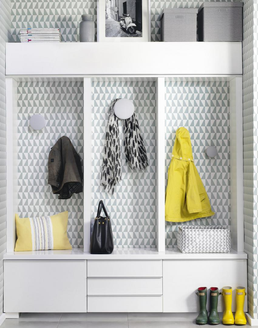 Modern Hallway Storage with Grey Geometric Wallpaper