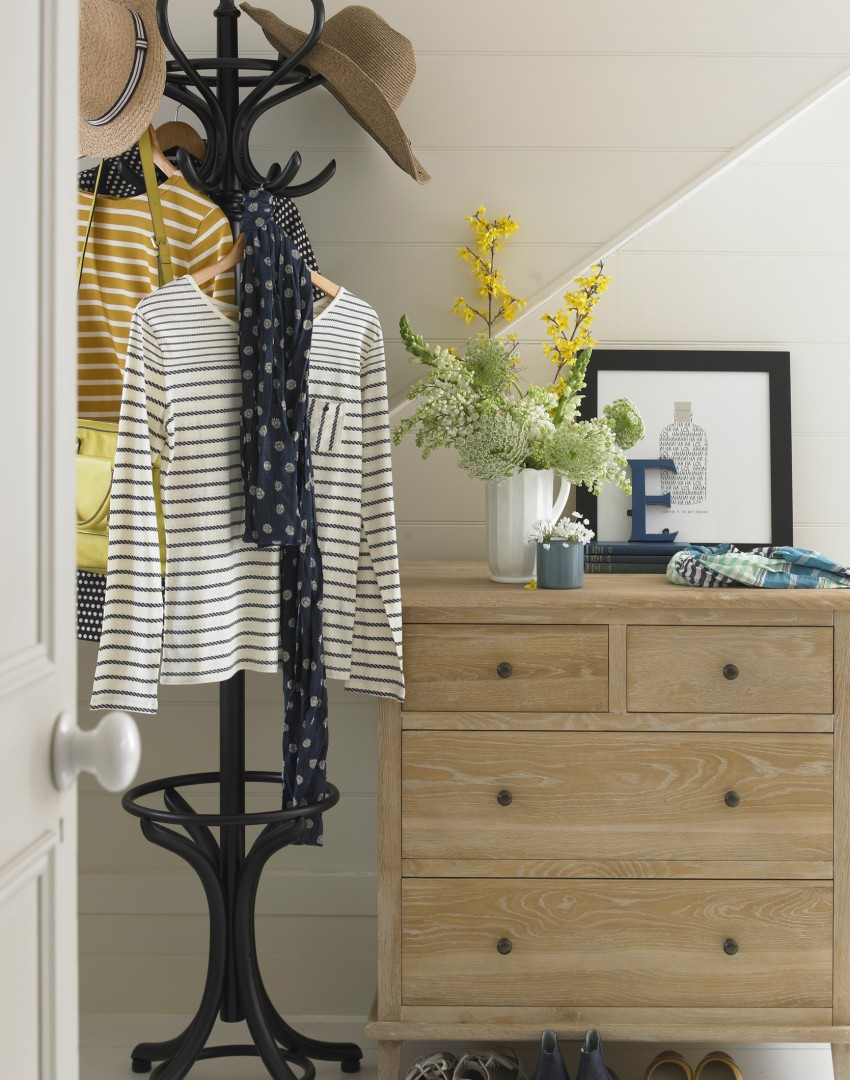 Maximise Your Small Hallway with These Simple Decorating Tricks ...