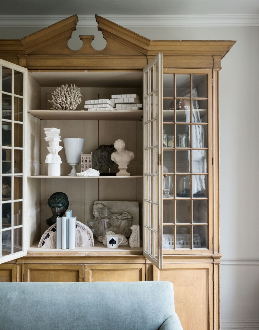 Neutral Traditional Living Room with Eclectic Display Cabinet