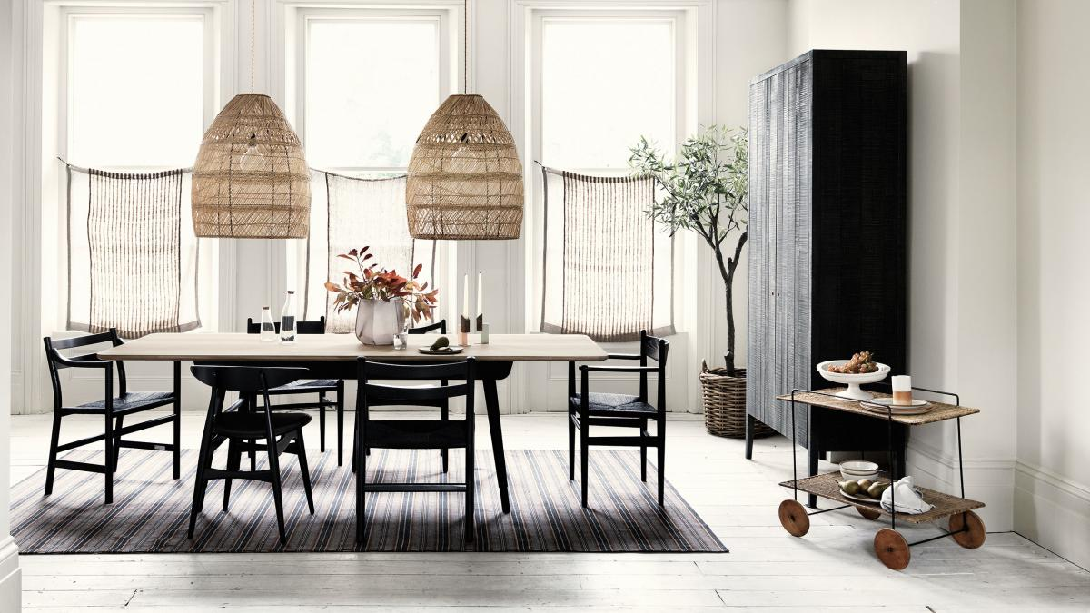 Keep your dining room clutter free with these super smart for Medium dining room ideas