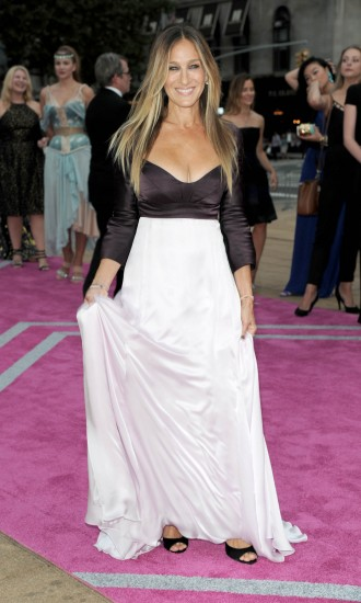 Sarah Jessica Parker In Pretty Narciso Rodriguez