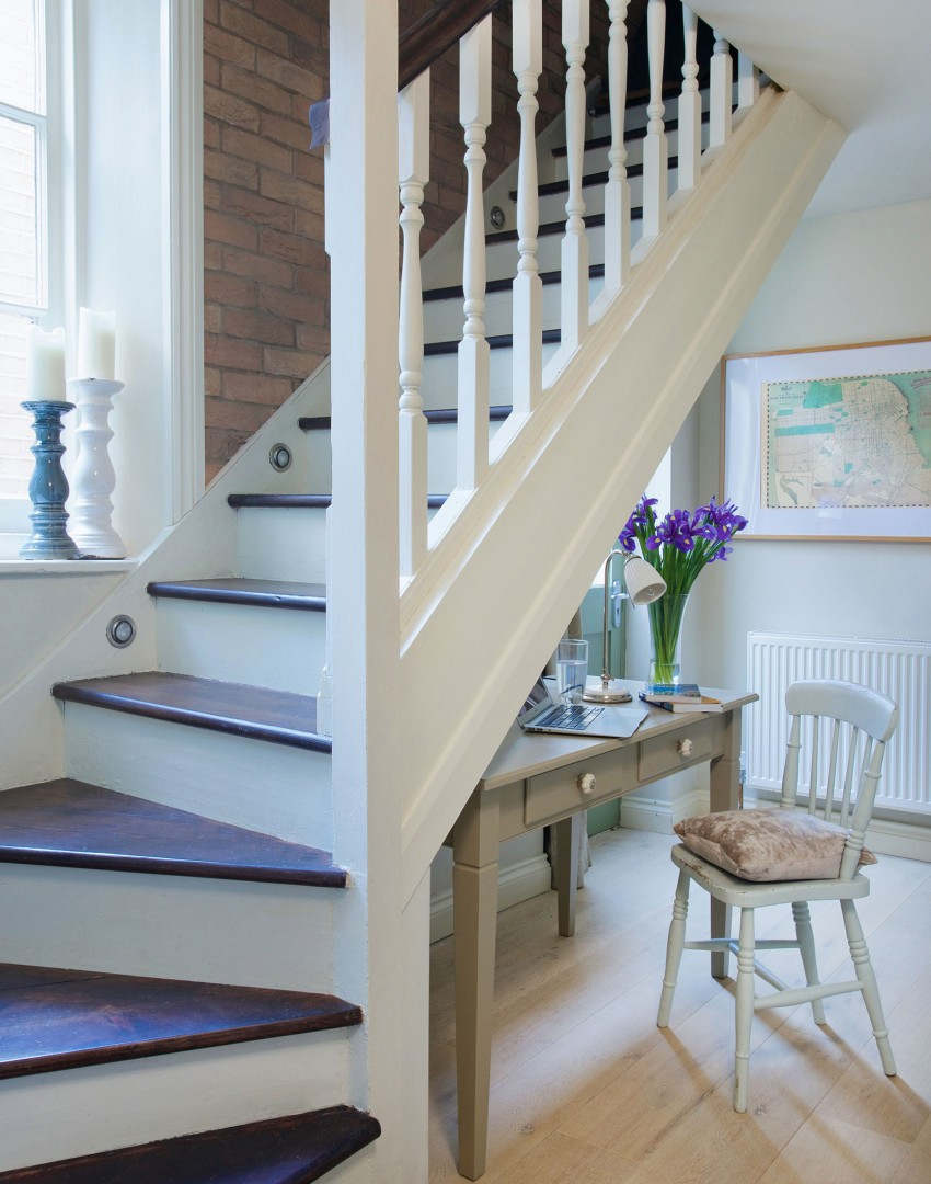 Lighting Basement Washroom Stairs: Use These Bright Ideas To Light Up Your Hallway