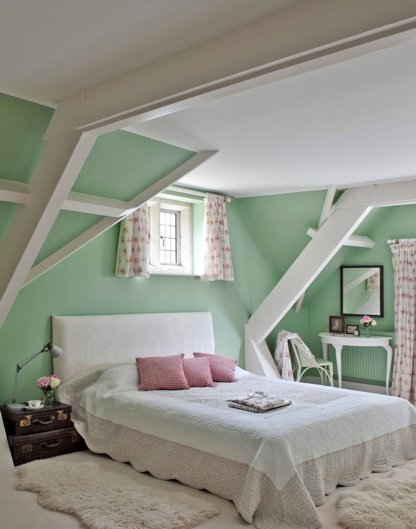 Dazzle With A Magnificent Master Bedroom Scheme The Room